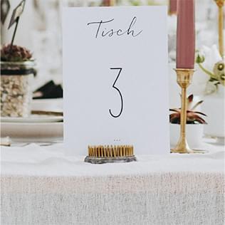 Tischnummern für den Sitzplan bei der Hochzeit