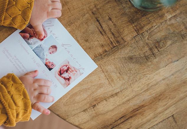 Carte remerciement naissance avec bébé