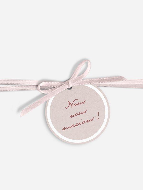 Étiquette avec ruban Dentelle romantique