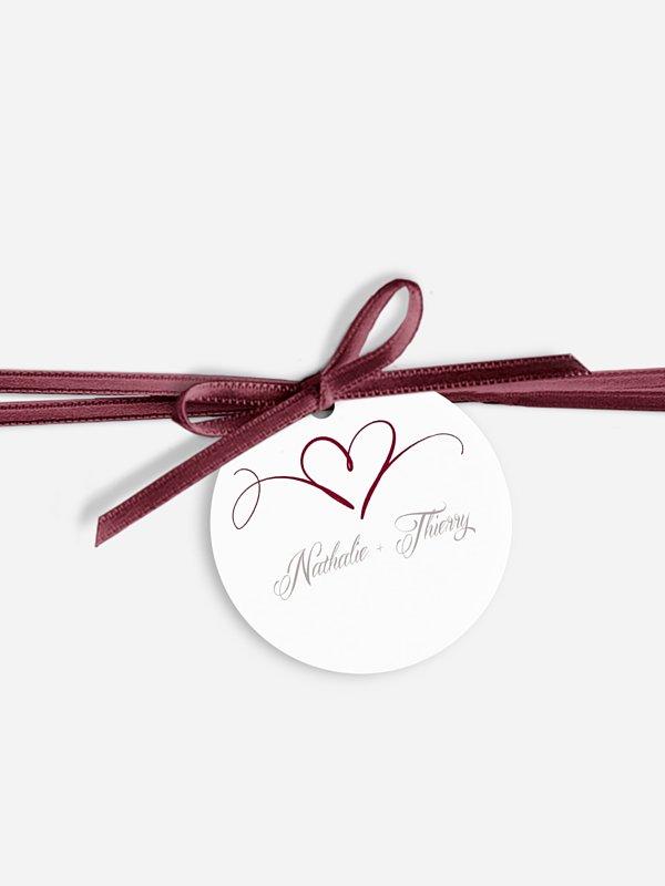 Étiquette avec ruban En plein coeur
