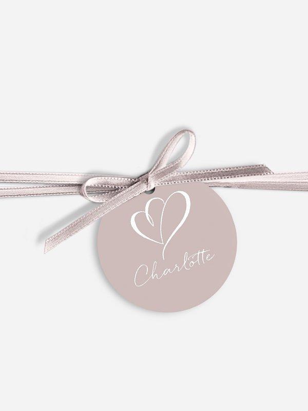 Anhänger mit Band zur Hochzeit personalisiert Herz an Herz