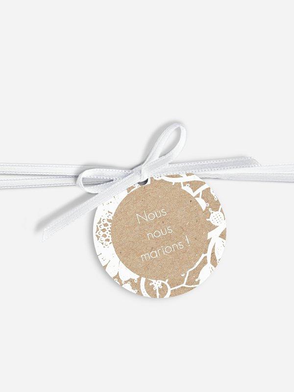Étiquette avec ruban Dentelle fleurie